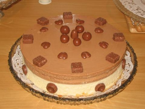 hyydytetty kakku täyte
